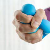 ボルダリングに必要な握力を効率よく鍛えるトレーニング方法とは