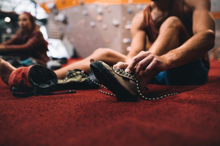えっ? 靴下履かないの? ボルダリングで靴下着用をおすすめするワケ