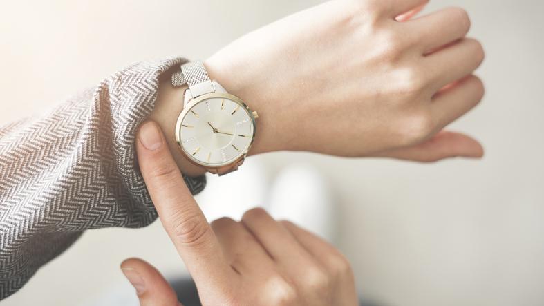 【連載】ボルダリング女子の悩み第43回・「腕がたくましくなってきて、フォーマル系の腕時計が似合わなくなってきた。腕時計をつけるのは諦めた方がいい?」