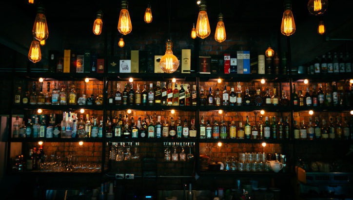 クラブ、バー、ラウンジの違いは? 自分に合うお店の見つけ方