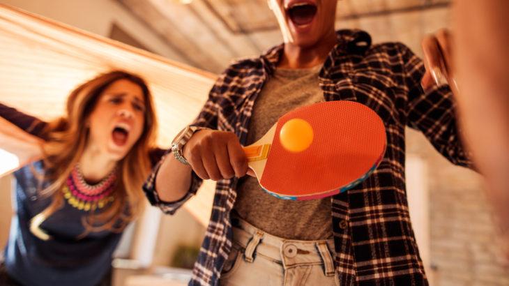こんなデートもアリ! 少人数から大人数まで大盛り上がりの卓球バーとは? 都内の人気卓球バーもご紹介