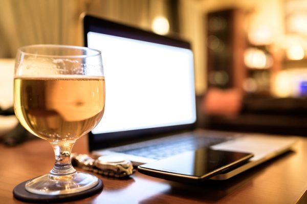 オンライン相席居酒屋が大人気の理由って?今おすすめのオンライン婚活・合コンイベントもご紹介!