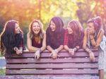 女の子から好かれる女の子に共通する5つの特徴