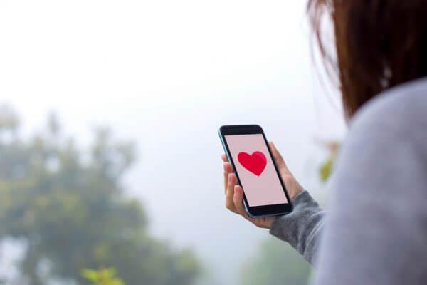 ネット婚活で使える おすすめアプリと必殺テクニック紹介