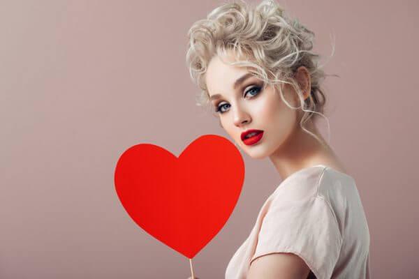 残念すぎる!? 恋に恋する女の子の特徴と、周りからの評判は?