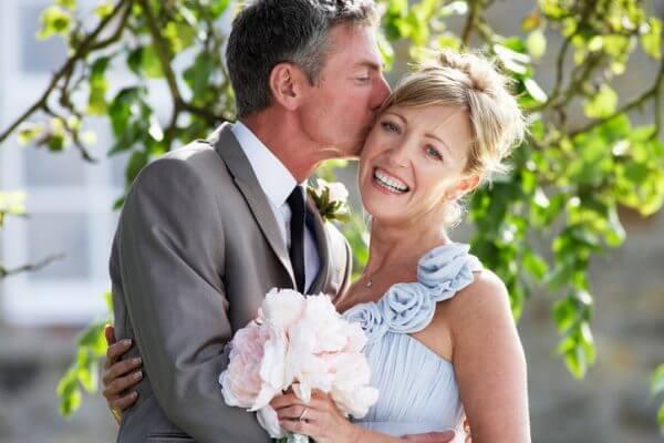 50代で結婚したい女性向け、結婚したくなる女性になるポイントと男性の本音とは?