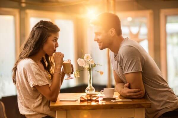 合コンに参加する目的は? 本当に交際まで発展できるの?