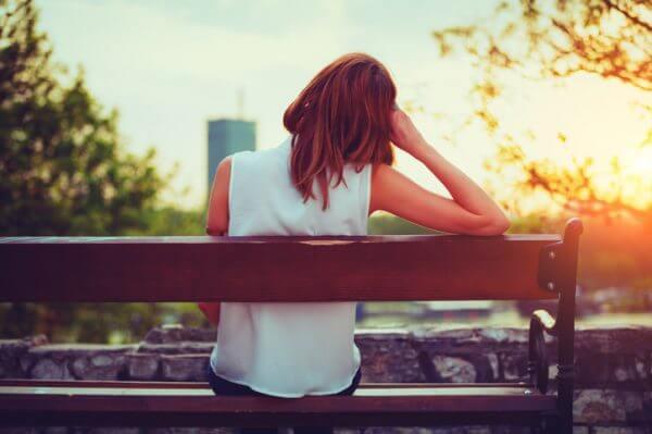 無性に誰かに頼りたい……人肌恋しい時に心を癒やす方法とは