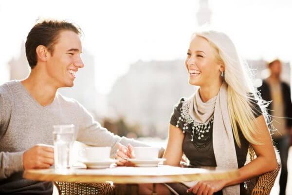 <男性向け>女性を惹きつける話し方やふるまい方【街コンなどの出会いの場】