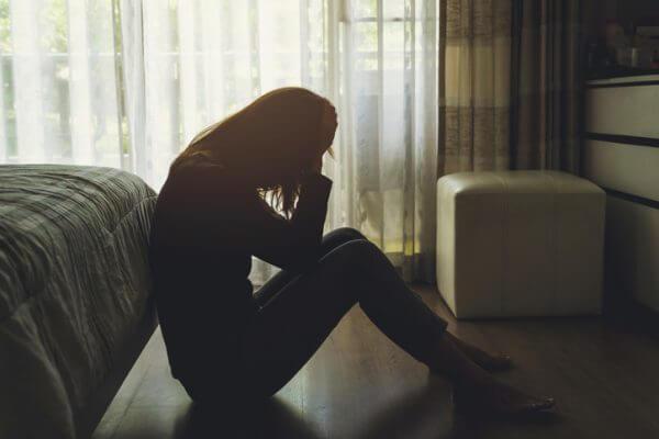 孤独感が強い時はどうすればいい? 気持ちを紛らわせる7つの方法