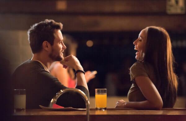 <男性向け>女性が惚れる口説き文句とは? 街コンなどの出会いの場でシーン別に紹介