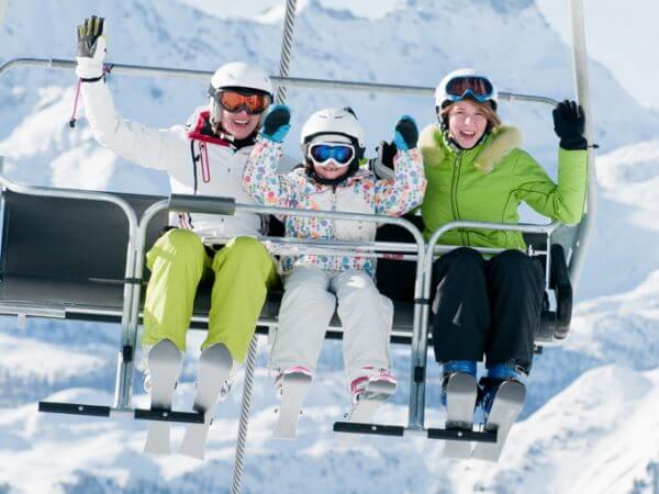 2019年ブーム再来!一躍人気を巻き起こした80年代のスキーと人口減少となった歴史を振り返る