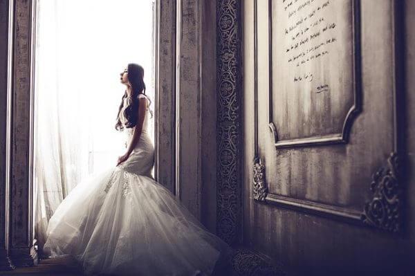 私が「引き寄せの法則はムダ!」なんて言う人は結婚のチャンスを捨てている可能性が高いと思う理由とは?