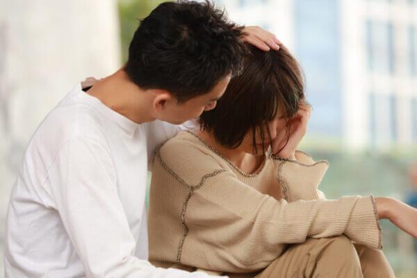 お互いダメになる…自己犠牲的な恋愛の特徴4つ