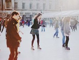 爽快な冬の休日を | 爽快冬の定番スポーツ!アイススケート