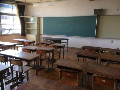 会場は【海津市旧南濃中学校】です!