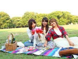 ワイン片手にみんなでピクニック♪ | パン屋さん巡り