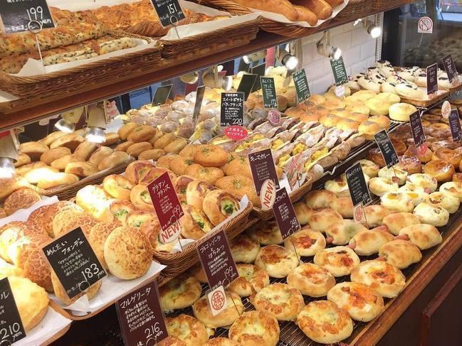 人気パン屋も多数!