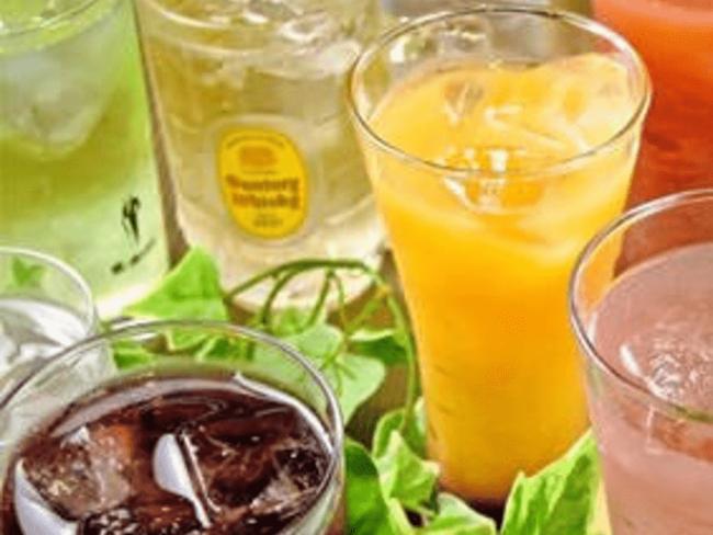 アルコール、ソフトドリンク50種類飲み放題
