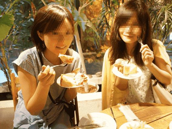 女性同士の写真