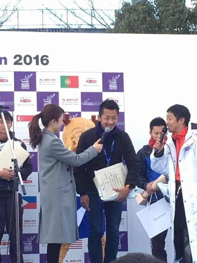 奈良マラソン2016の表彰式の時の沖氏