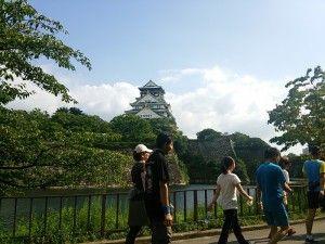大阪城を目指します。