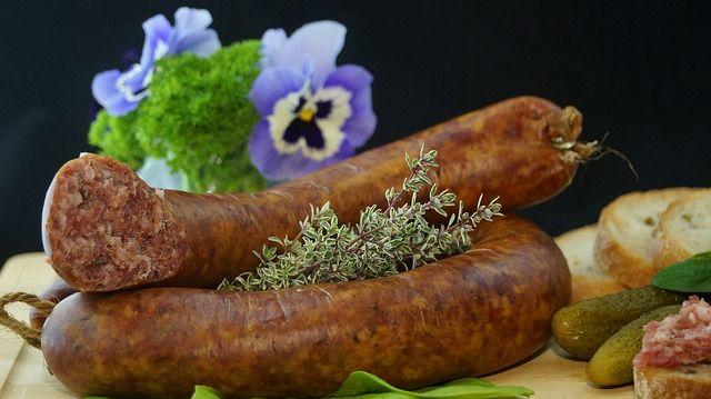 sausage-556491_640