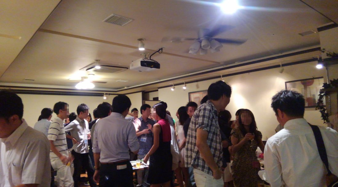 開催風景青山パーティー2