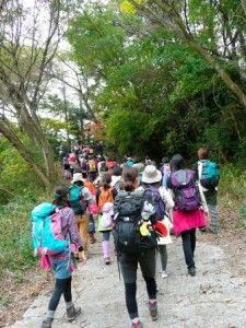 girl_hike2