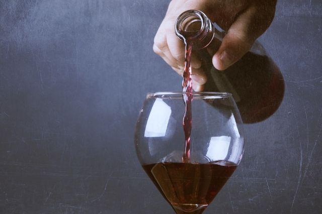 3829773053-wine-792877_1920-76zw-640x426-MM-100