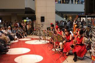 s_JP15 1010 クイーンズサークル Swingin'Devils Jr Band(c)YJP(撮影:クルー長澤) 84