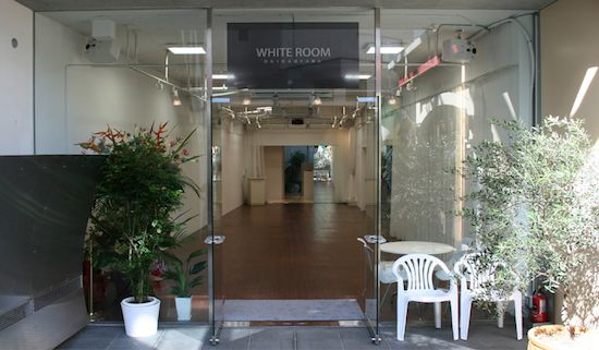 whiteroom_03